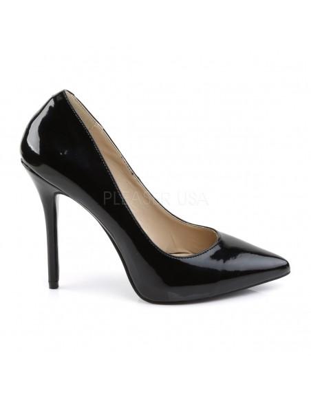 Zapatos de charol brillante con punta fina y tacón de aguja