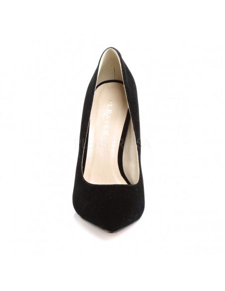 Elegantes zapatos de terciopelo con punta fina y tacón de aguja