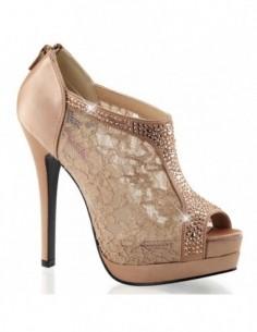 Preciosos zapatos de estlo botines de encaje con strass brillante