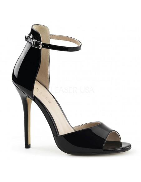 Elegantes sandalias de charol brillante con tacón de aguja y correa
