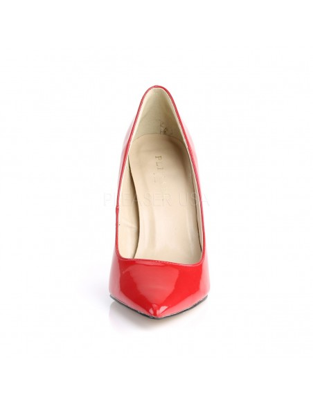 Zapatos elegantes de charol brillante con tacón de aguja