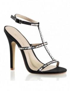 Preciosa sandalia en cuero sintético con correas y pedrería brillante