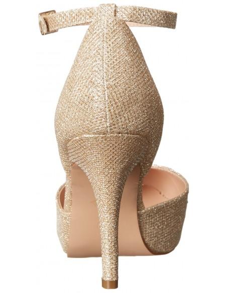 Zapatos de tacón y ligera plataforma decorados con pedrería brillante