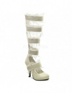 Zapatos al estilo bota para disfraz de momia con restos de gasa