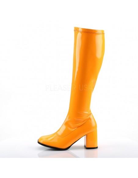 Llamativas botas de charol en colores neón desde talla 35 a 48