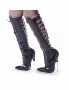 Zapato fetichista para dóminas con tacón de aguja metálico