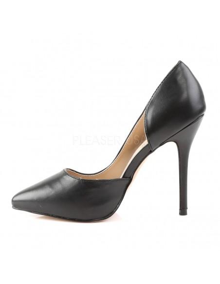 Zapatos clásicos en simil piel con tacón de aguja y costado abierto