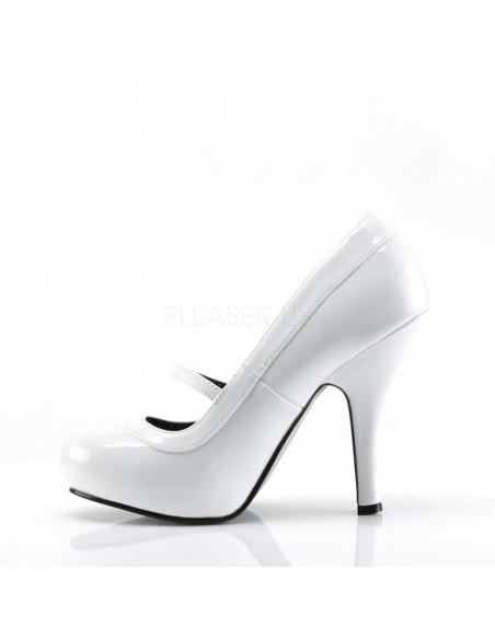 Zapato linea retro con tira en empeine y costuras