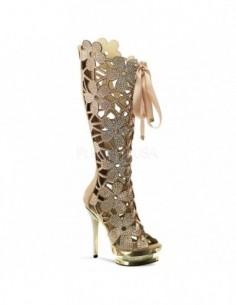 Lujosas botas de plataforma con calados florales y pedrería